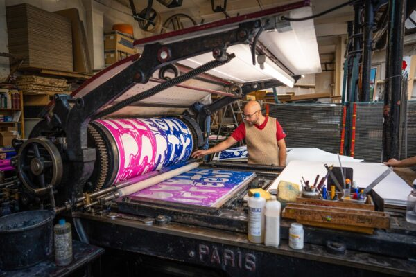 illegal-party-pink-blue-stefan-marx-lithograph-printing-process-paris